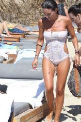 Athina Oikonomakou: beach look