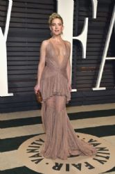 Kate Hudson wears Roberto Cavalli Dress :  2017 Vanity Fair Oscar Party