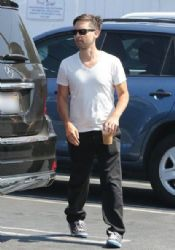 Tobey Maguire & Family Lunch At Fred Segal
