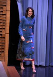 Shailene Woodley in Valentino Dress : 'The Tonight Show Starring Jimmy Fallon'