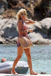Victoria Silvstedt: island look