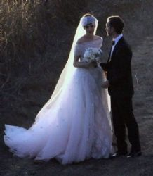 Anne Hathaway with Adam Shulman: wedding