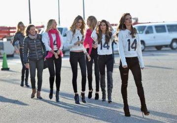 Alessandra Ambrosio, Doutzen Kroes, Candice Swanepoel, Behati Prinsloo, Lindsay Ellingson, Lily Aldridge: depart for London for the 2014 Victoria's Secret Fashion Show at JFK Airport