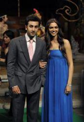 Ranbir Kapoor and Deepika Padukone : (IIFA) Awards 2008
