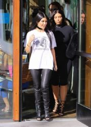 Kourtney Kardashian: enjoying lunch at Hugo's Restaurant in Los Angeles