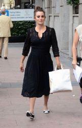 Penélope Cruz: Madrid walk