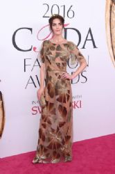 Hilary Rhoda attends the 2016 CFDA Fashion Awards