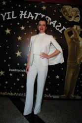 Gökçe Bahadir Sadri : Alisik Theater & Cinema Awards (2015)