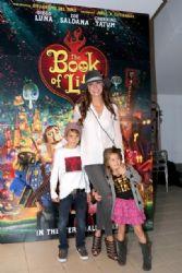 Elizabeth Gutierrez: Book of Life' Premieres in Miami