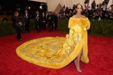 Rihanna wears Gup Fei - 2015 Met Gala