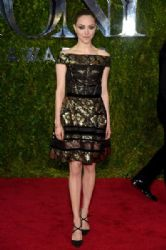 Amanda Seyfried wears Oscar de la Renta - 2015 Tony Awards