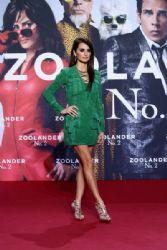 Penelope Cruz in Balmain Paris – 'Zoolander 2' BerlinFan Screening
