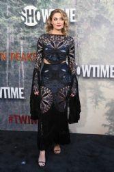 Mädchen Amick in Raisa & Vanessa Dress :  Premiere of Showtime's 'Twin Peaks'- Arrivals