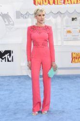 Scarlett Johansson attends The 2015 MTV Movie Awards