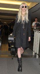 Taylor Momsen: arrived at the Narita International Airport in Tokyo