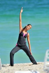 Dayana Mendoza: hit the beach in Miami