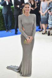 Gisele Bündchen in Stella McCartney : 2017 Met Gala