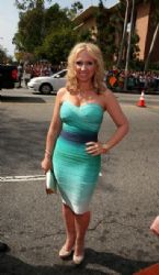 Leigh-Allyn Baker: Nickelodeon's 27th Annual Kids' Choice Awards - Red Carpet