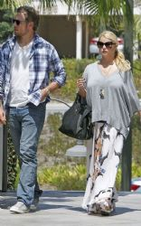 Jessica Simpson With Eric Johnson: Enjoyed another romantic outing