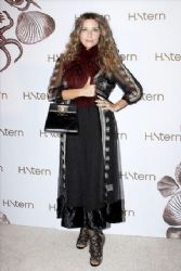 Isabela Camil: H. Stern jewelry shop opening