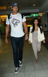 Kim Kardashian & Kris Humphries: Spotted arriving at LaGuardia Airport in New York City