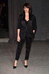 Penelope Cruz: Burberry February 2017 Show - Arrivals