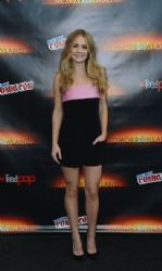 Britt Robertson: New York Comic-Con Presentations