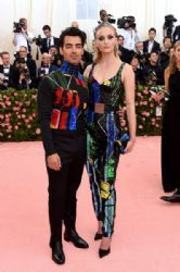 Joe Jonas and Sophie Turner : The 2019 Met Gala Celebrating Camp: Notes on Fashion - Lookbook