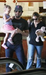 Jennifer Garner With Ben Affleck: Spotted leaving a deli in Pacific Palisades