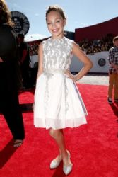 Maddie Ziegler: Arrivals at the MTV Video Music Awards