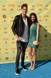 Victoria Justice and Pierson Fode: Teen Choice Awards 2015 - Arrivals