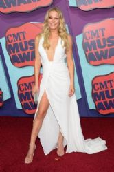 LeAnn Rimes wears Rani Zakhem - 2014 CMT Music Awards