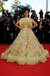 Sonam Kapoor wears Elie Saab -