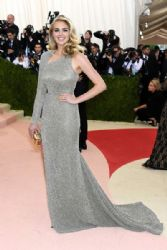 Kate Upton: 'Manus x Machina: Fashion In An Age of Technology' Costume Institute Gala - Arrivals