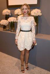 Jennifer Lawrence wears Oscar de la Renta - Elle's 21st Annual Woemn In Hollywood Celebration