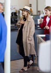 Elizabeth Olsen: at LAX