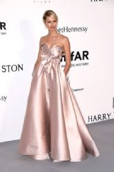 Karolina Kurkova : amfAR's 22nd Cinema Against AIDS Gala