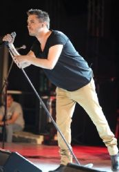 Michalis Hatzigiannis: concert look