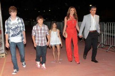 Tatiana Stefanidou and Nikos Evangelatos and kids: MVMA 2012