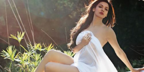 Sara loren nakd pics apologise, but