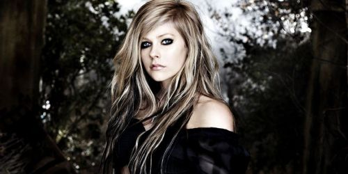Who is Avril Lavigne dating? Avril Lavigne boyfriend, husband