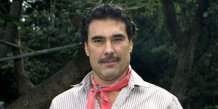 Eduardo yanez dating