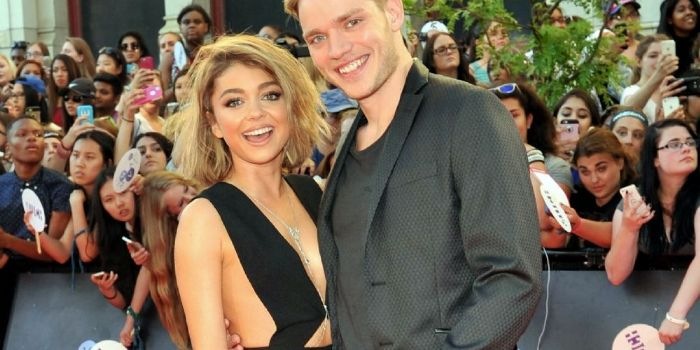 Sarah Hyland and Dominic Sherwood