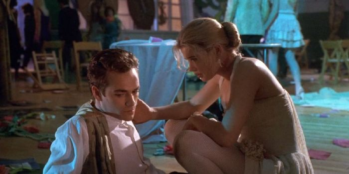 Luke Perry and Kristy Swanson