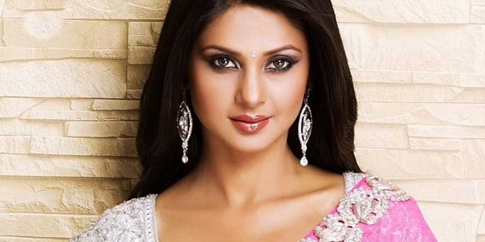 Who is Jennifer Winget dating? Jennifer Winget boyfriend ...