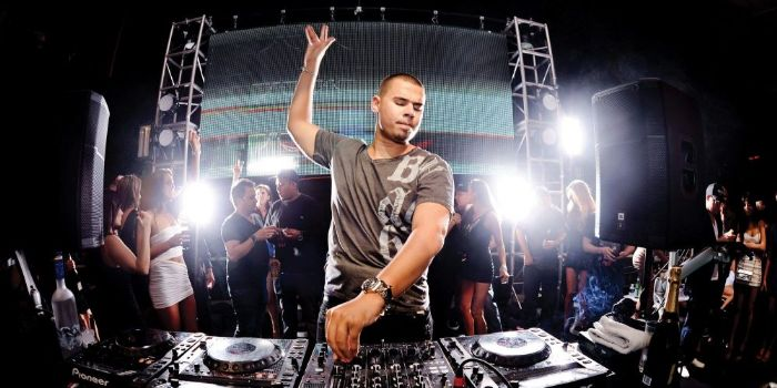 Is afrojack dating anyone
