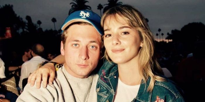 Jeremy Allen White and Addison Timlin