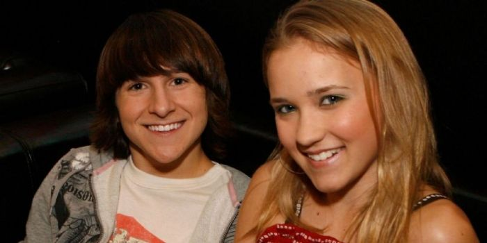 How is mitchel musso dating