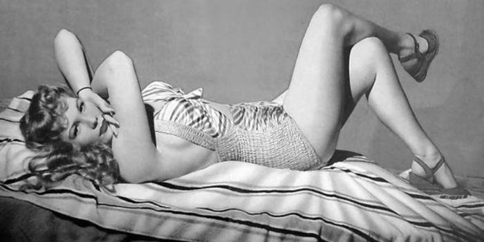 Vrda modell naken firmly convinced