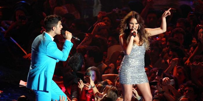 Joe Jonas and Dulce María